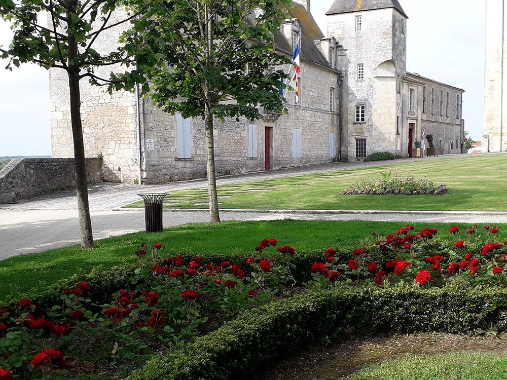Ville de Pons - Camping municipal