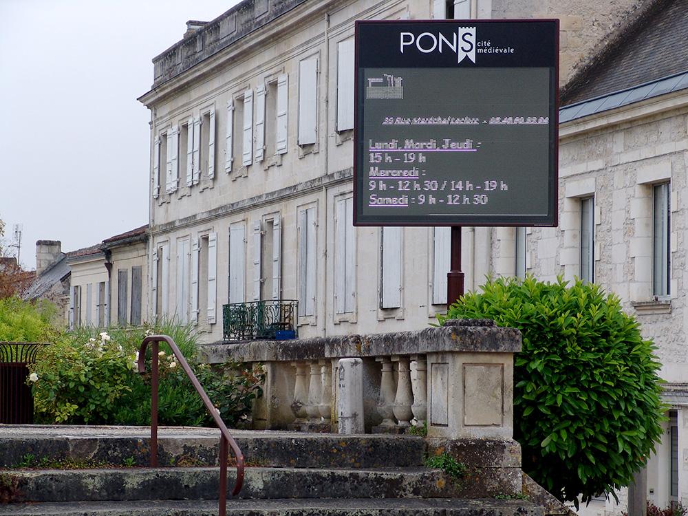 Ville de Pons - Panneaux numériques d'information